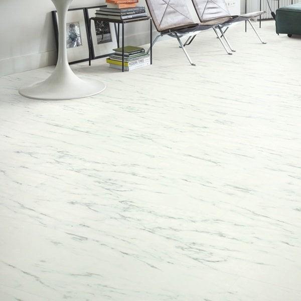 ламинат под мрамор фото заднем дворе есть